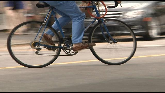 Ride of Silence calls for safer Charleston roads (Image 1)_9451