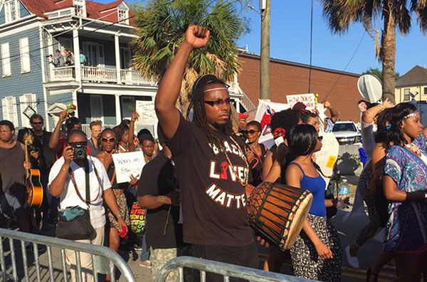 Latest on church shooting_ Hundreds rally in Charleston (Image 1)_13639