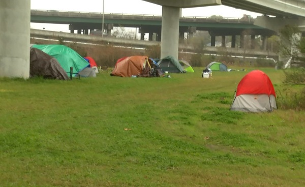 Charleston leaders plan to clear tent city within 2 months; homeless to go to One80Place_121571
