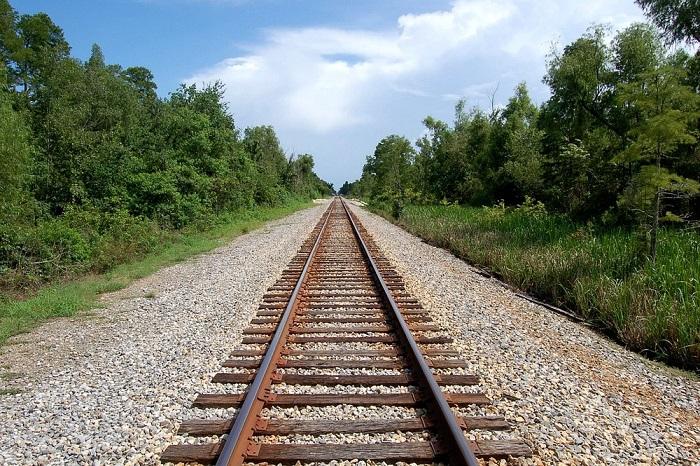Train tracks_50196