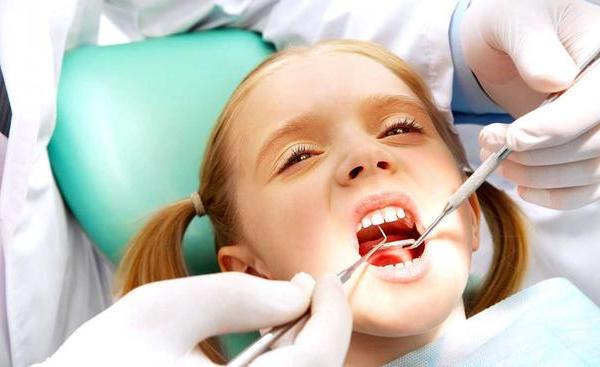 WCBD-dentist+doctor+teeth+geneirc+girl_204242