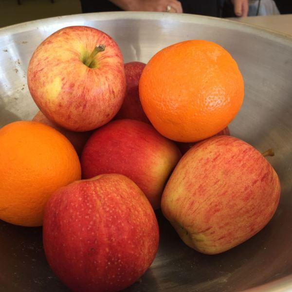 fresh-fruit-apples-oranges-healthy-food_349585