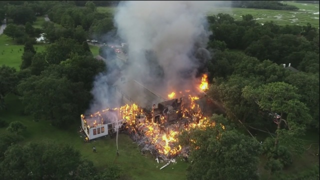 Lowcountry_family_loses_house_in_fire_wh_0_52637486_ver1.0_640_360_1534949564030.jpg