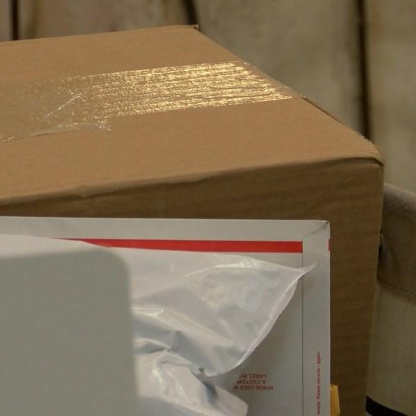 usps mail room 3_1545847570016.jpg-54787063.jpg