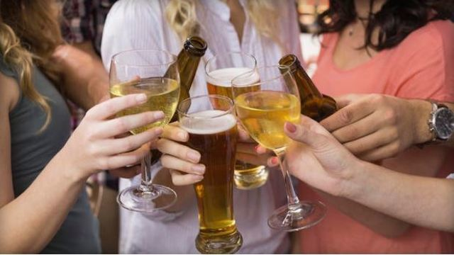 drinking-alcohol-generic_36165850_ver1.0_640_360_1555877327522_83617856_ver1.0_640_360_1555881889244.jpg
