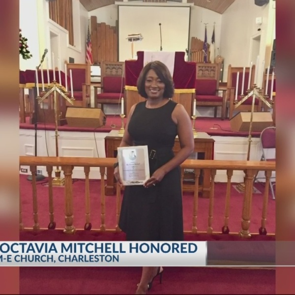 11pm Count on 2's Octavia Mitchell honored as 2019 Outstanding Woman of the Community